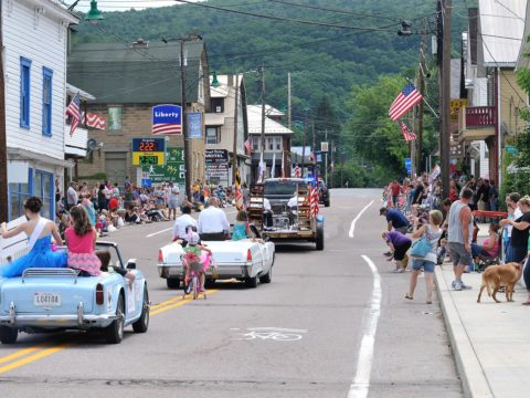 Friendsville Days Parade